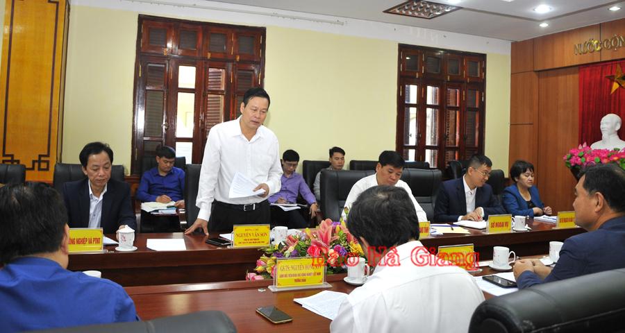 Chủ tịch UBND tỉnh Nguyễn Văn Sơn phát biểu tại buổi làm việc.